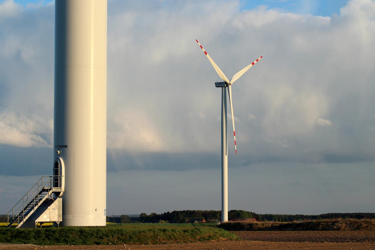 windmills and windturbines Vestas is the energy industry's global partner on sustainable energy solutions we design, manufacture, install, and service wind turbines across the globe, and with 94 gw of wind turbines in 79 countries, we have installed more wind power than anyone else.
