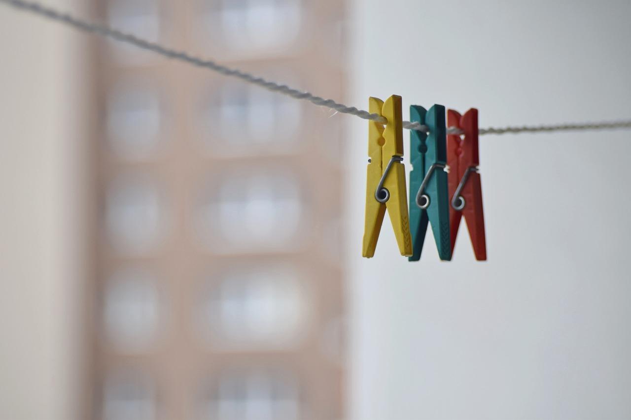 Фото на веревке с прищепками как сделать