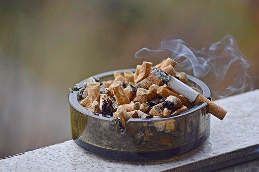 Prevažná väčšina fajčiarov začína fajčiť vo veľmi mladom veku — 70.