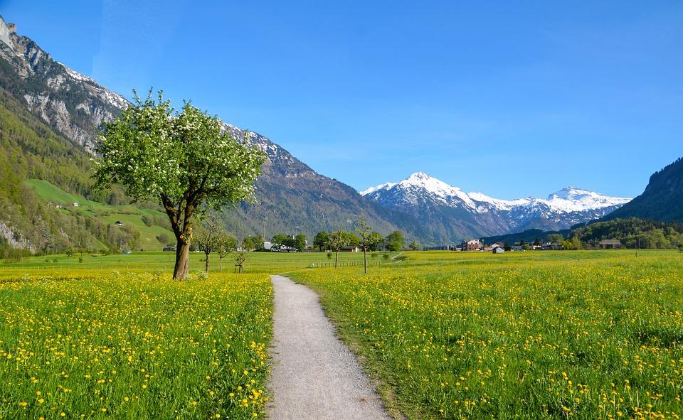 ハイキング 高山 風景 - Pixabay...