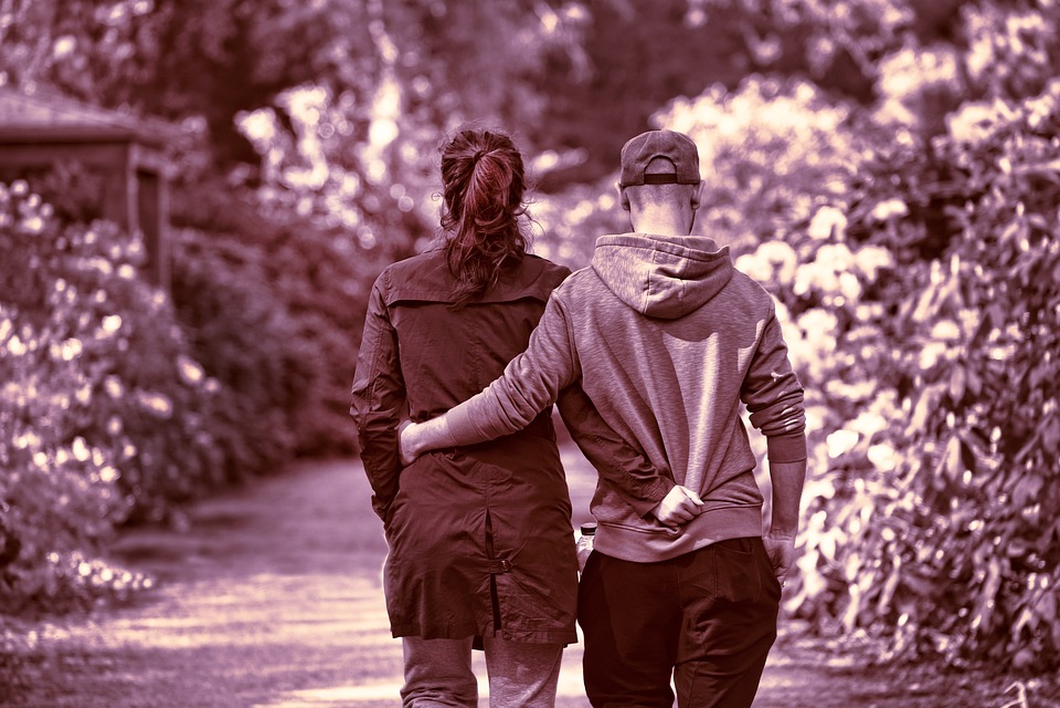人, 男, 女性, カップル, 2, 二人, 一緒に, 腕, 腕周りに, 徒歩, 運動, 公園, 一体感, 愛