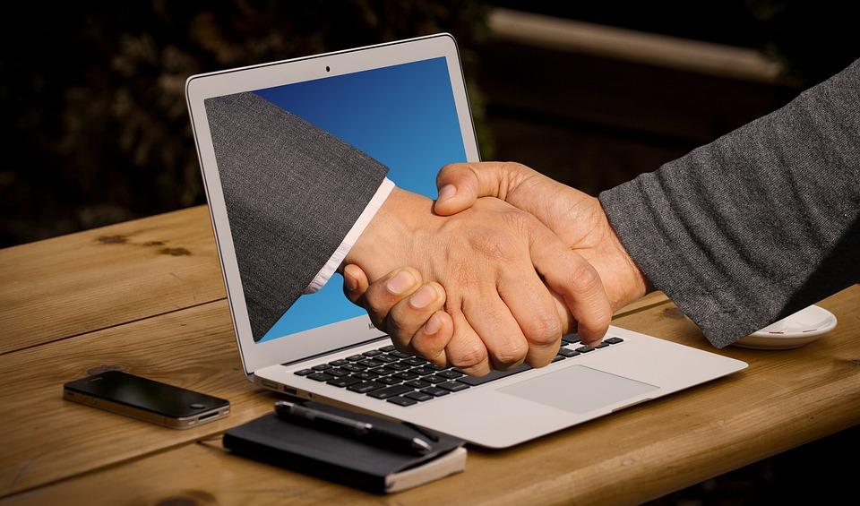 Рукопожатие, Руки, Ноутбук, Монитор, Онлайн, Цифровой