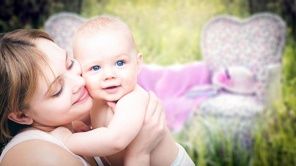 母親, 子供, 家族, 肖像画, 議事録, 母性, 娘, 女性, 赤ちゃん, 白人, 屋外, 親子関係
