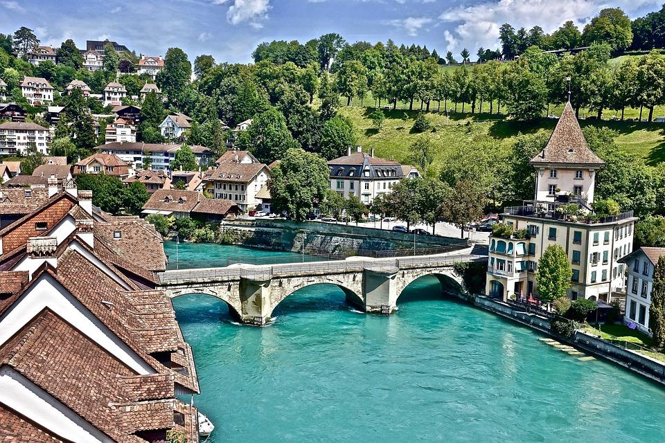 Fluss, Brücke, Schweiz