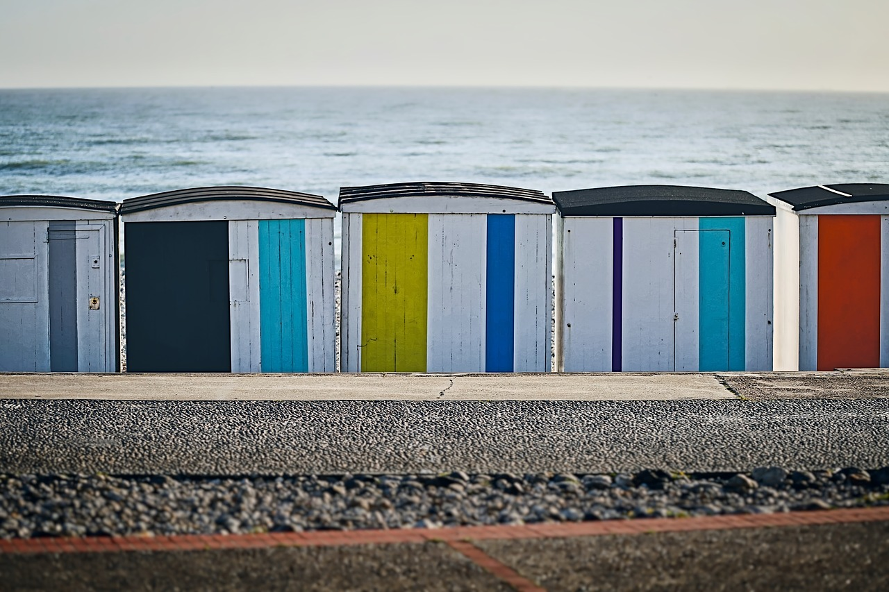 пляжные кабины на море - 12