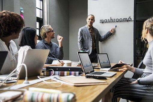 ビジネスのお礼メールの書き方と例文|返信・件名/締め・社内