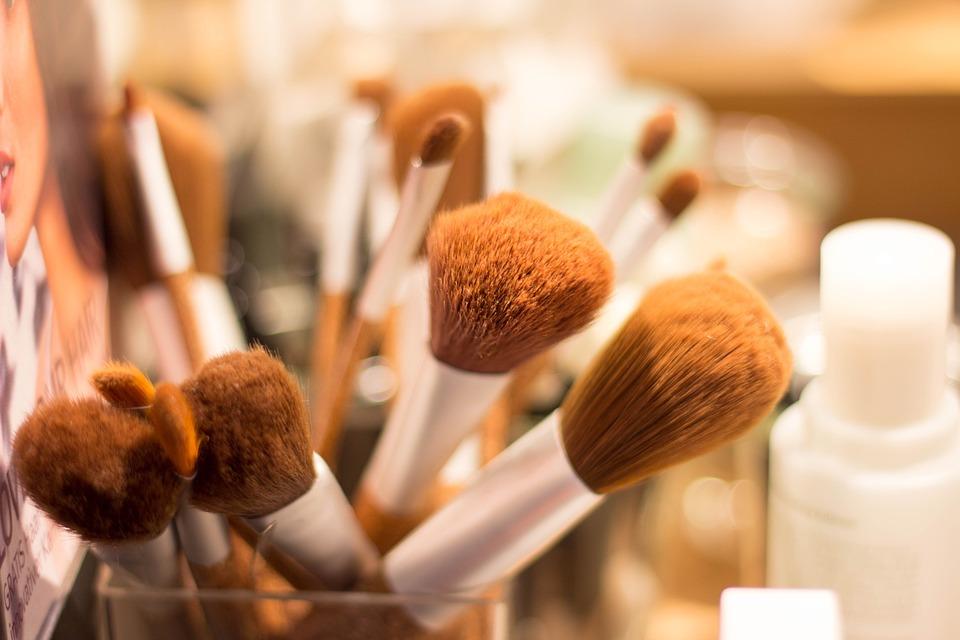 Borstel, Make Up, Cosmetica, Verzinnen, Schoonheid. Kwasten niet schoonmaken is 1 van de meest gemaakte fouten