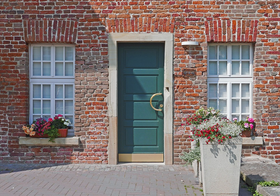 old house modern door new window wasserburg annex & Old House Modern Door New Window · Free photo on Pixabay