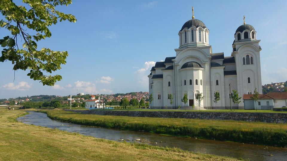 Kloster, Serbien