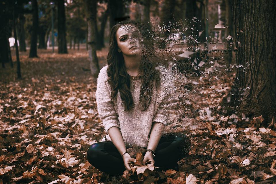 悲しみ, 意気消沈した, 女性, 女の子, だけで, うつ病, 孤独, 強調, 心配, 精神的です, 悲しい