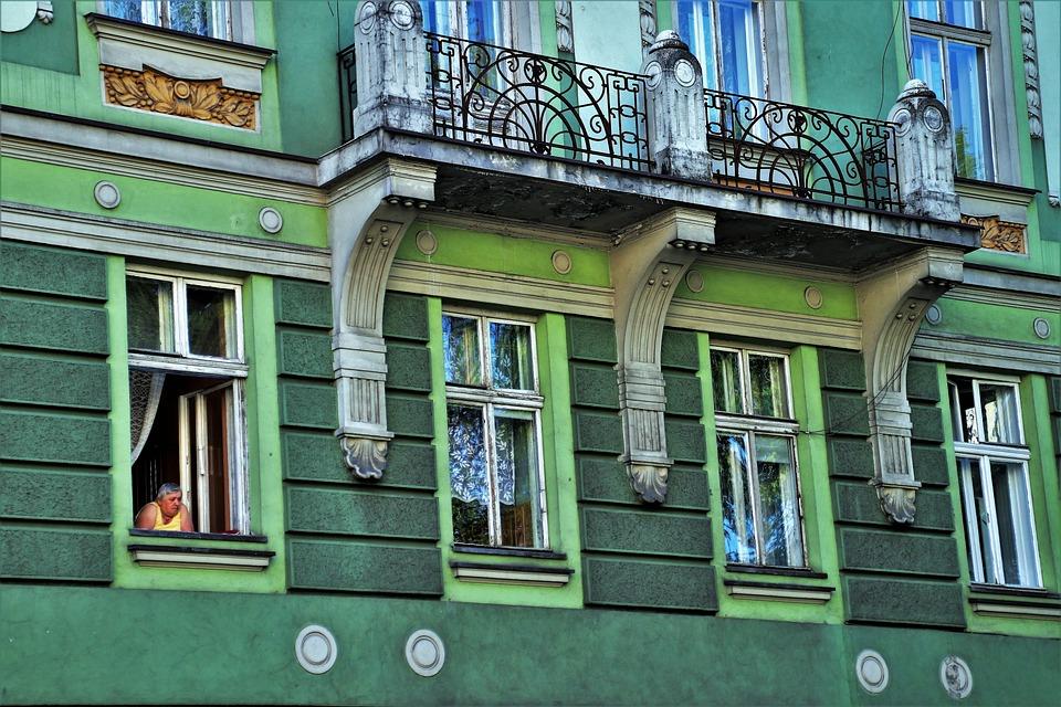 Oud huis gevel oude windows · gratis foto op pixabay