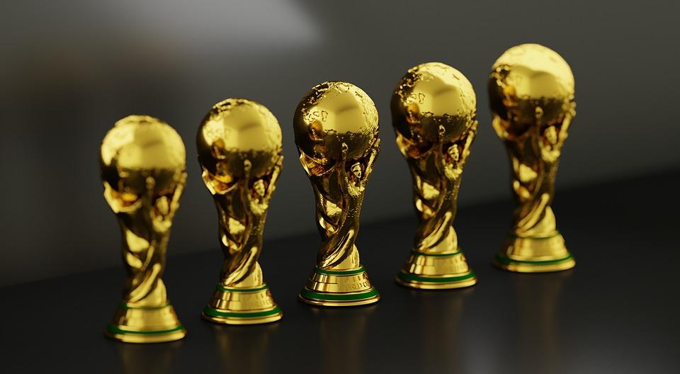 トロフィー, サッカー, スポーツ, カップ, 競争, チャンピオン, 選手権, ゲーム, 受賞者, チーム
