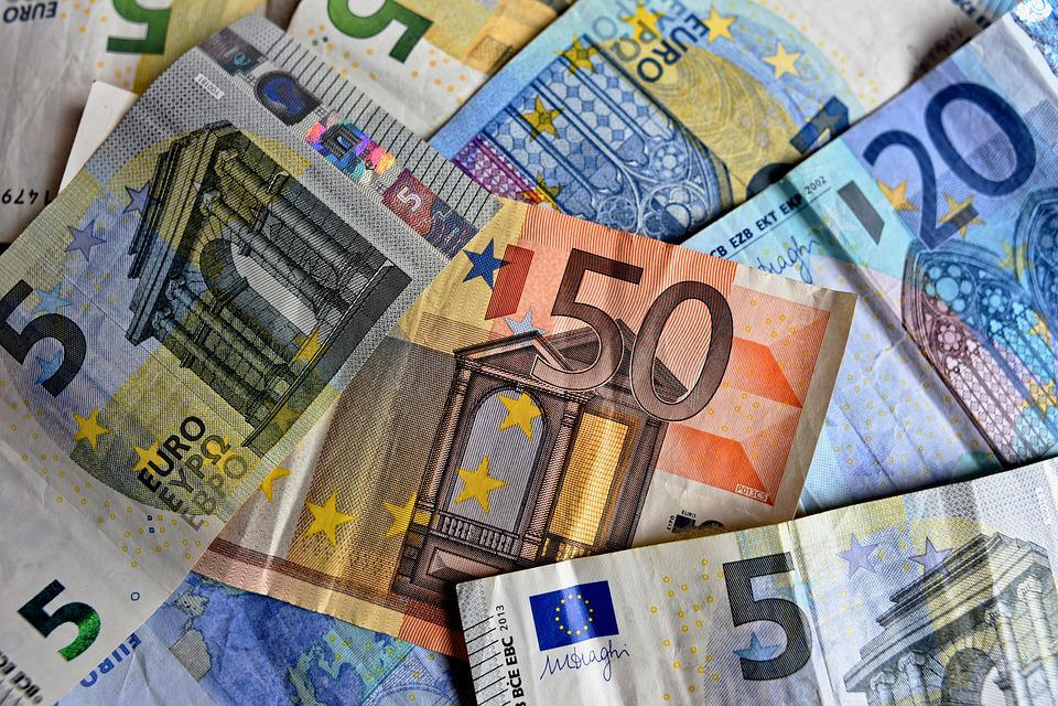 money-3481699_960_720.jpg