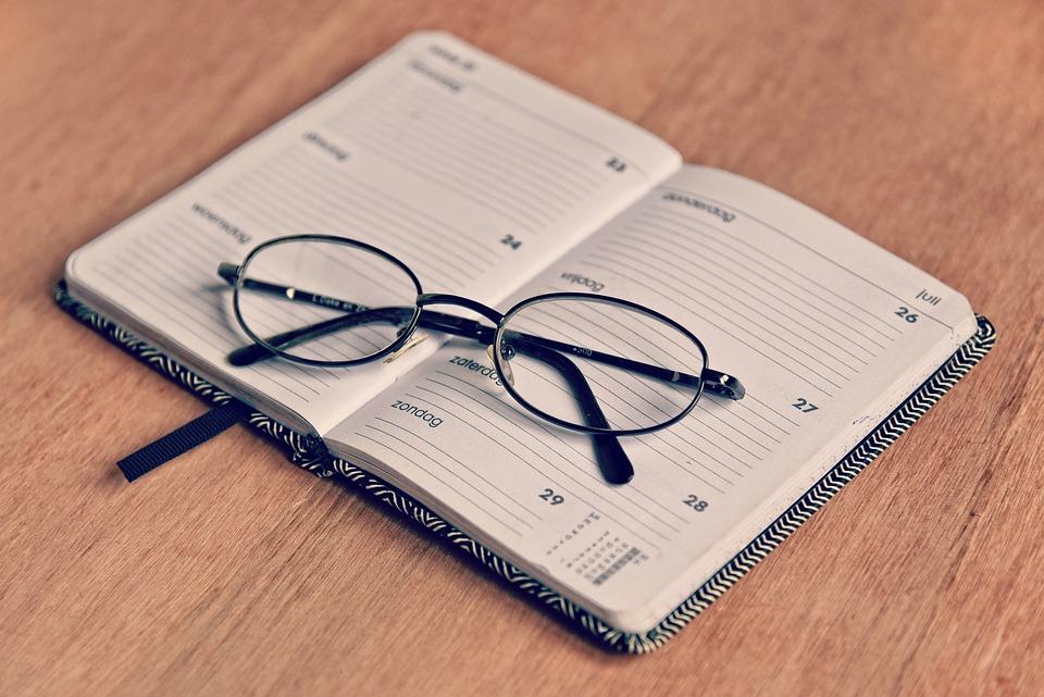 議題, メモ帳, スケジュール, プランナー, 主催者, メモ, 予定, 期限, 日, メガネ, 眼鏡