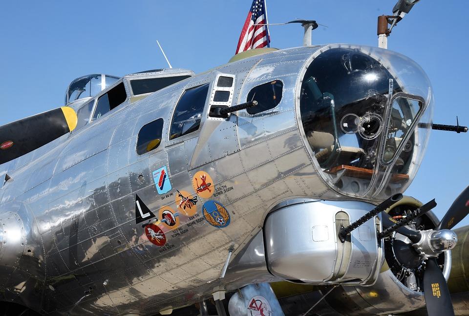 飛行機 B-17 平面 · Pixabayの無...