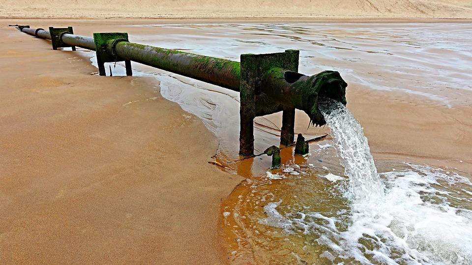 https://cdn.pixabay.com/photo/2018/06/22/18/29/outfall-3491306_960_720.jpg