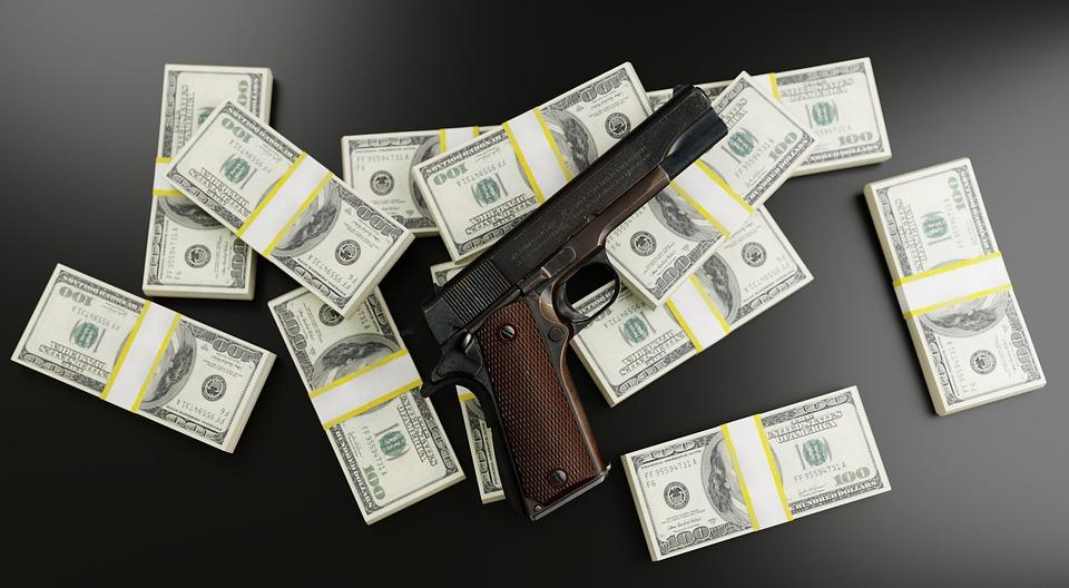 暴力団(マフィア)からの賄賂が銀行ビジネスへ
