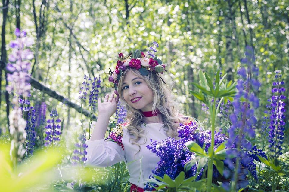 Costume Folklorique russe russe-costume folklorique · photo gratuite sur pixabay