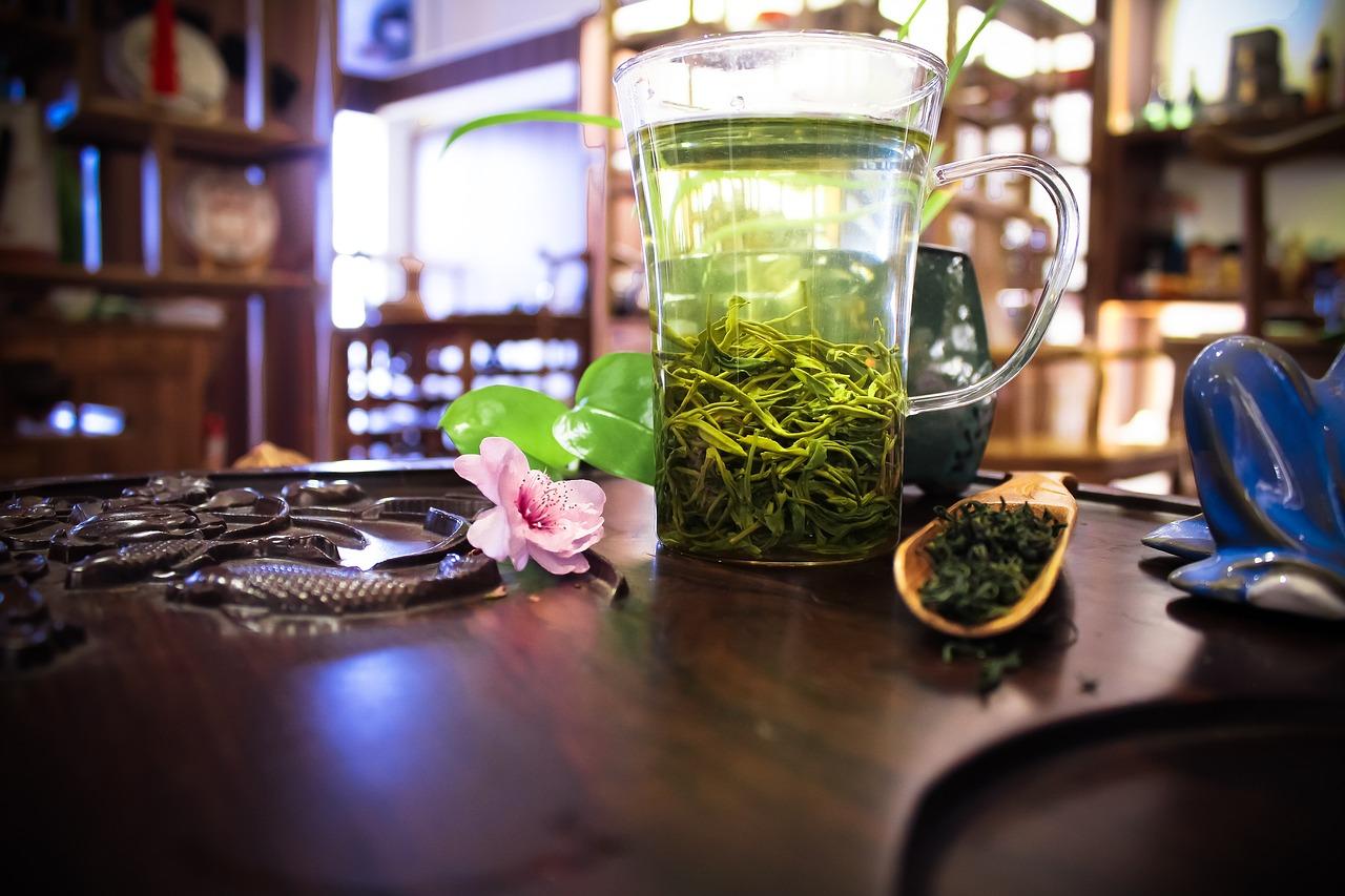 картинки пила зеленый чай