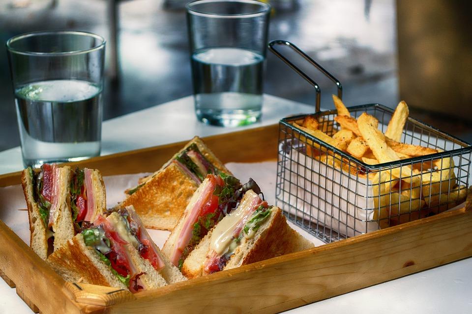 クラブサンドイッチ, ファーストフード, スナック, フライド ポテト, トースト, サンドイッチ, 食品