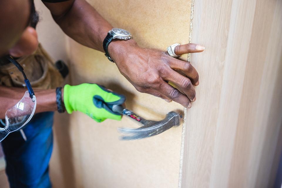 Handwerker Möbel Montage Hammer Kostenloses Foto Auf Pixabay