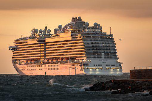 Cruise Ship, Shelf-Princess, Sunset