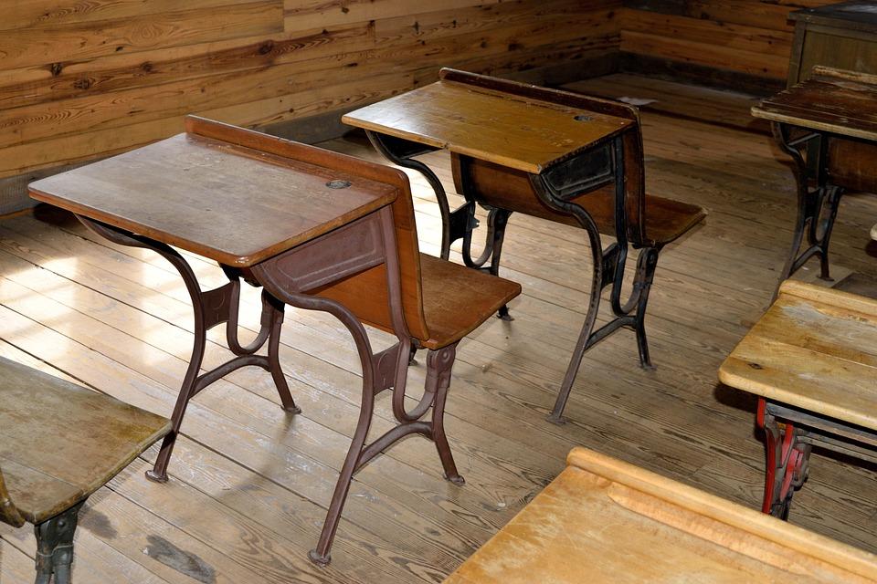 Scrivania Vintage Legno : Antico scrivania in legno scuola · foto gratis su pixabay