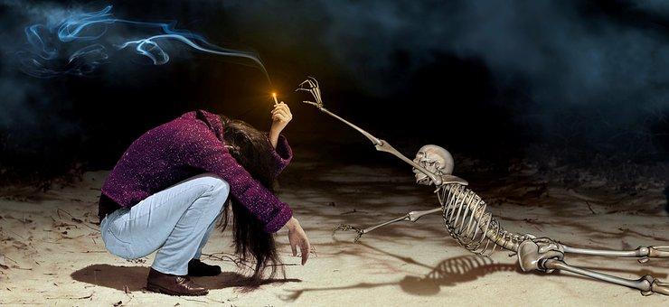 Фантазия, Девушка, Скелет, Сигареты