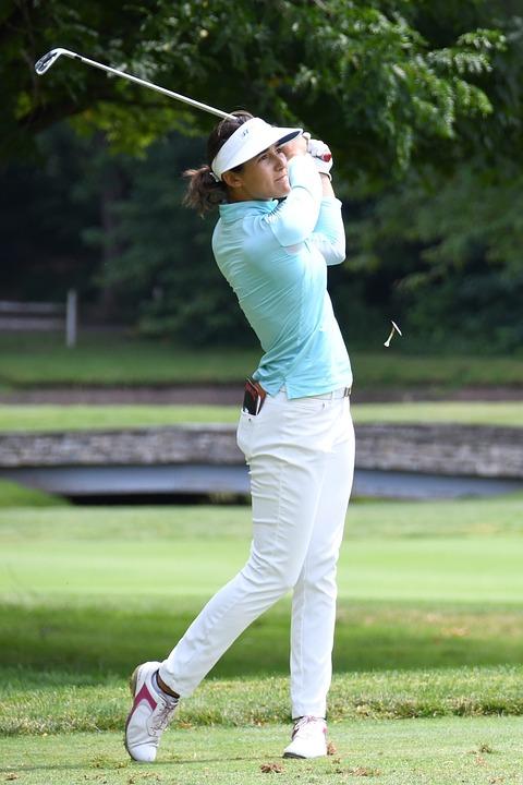 nő golfozó keresés