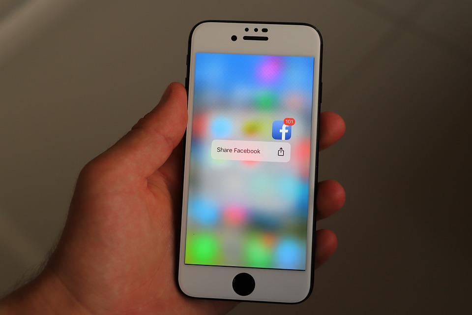 아이폰, 스마트 폰, 소셜 미디어, 전화, 휴대 전화, 아이콘, 표시, 앱, 소셜 네트워크, 인터넷