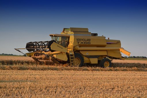 Combine Harvester, New Holland, Farm