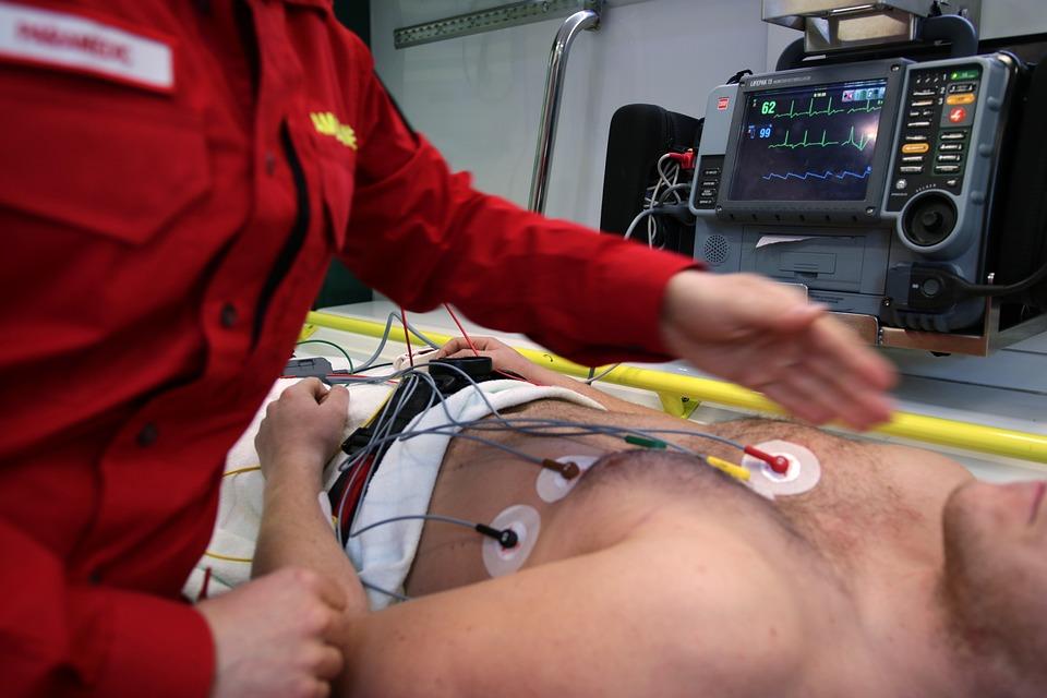 Ambulanza, Emergenza, Medico, Salute, Veicolo