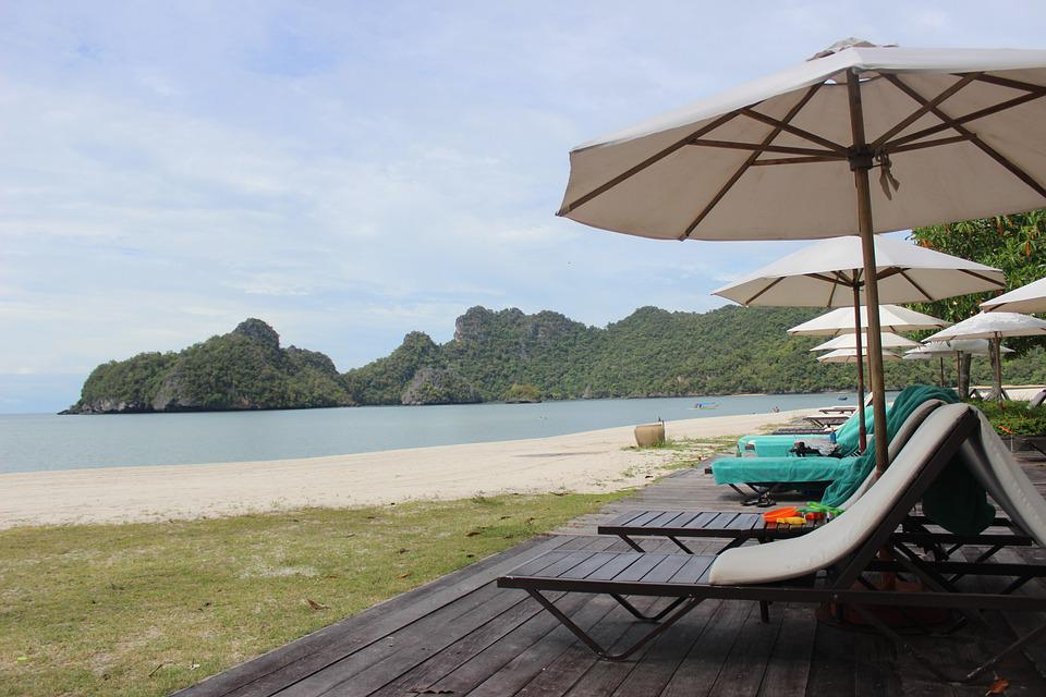 vacation in malaysia essay Published: mon, 5 dec 2016 today the tourism industry in malaysia is getting development and becoming one of the worlds most attractive travel destinations, as well as in the economic and social development has also become important.