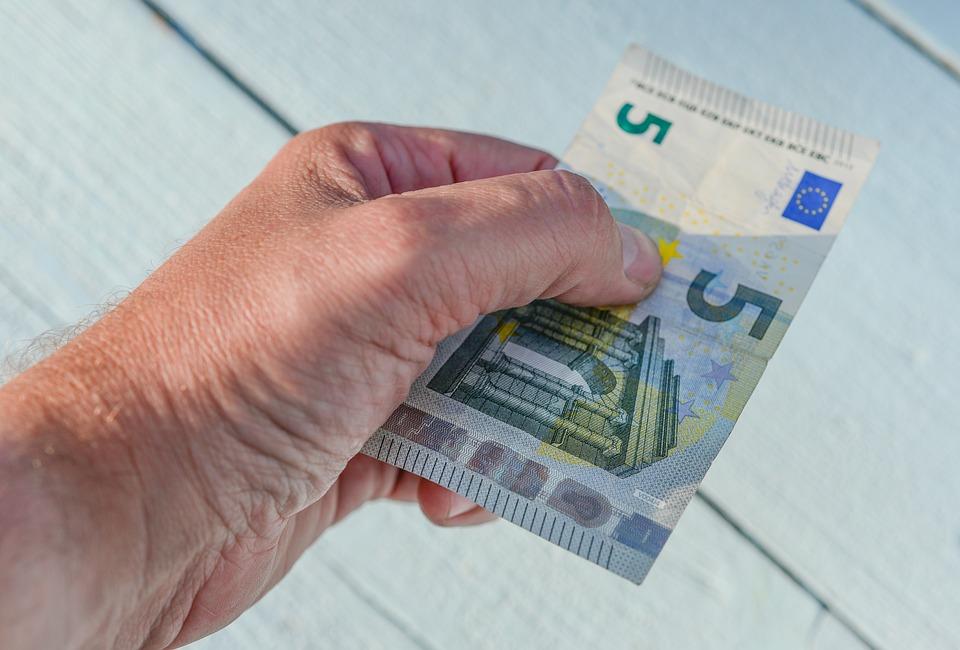 お金, ユーロ, 与える, 5, ファイナンス, 富, 通貨, ヨーロッパ, 保存, 銀行, 利益, ビジネス