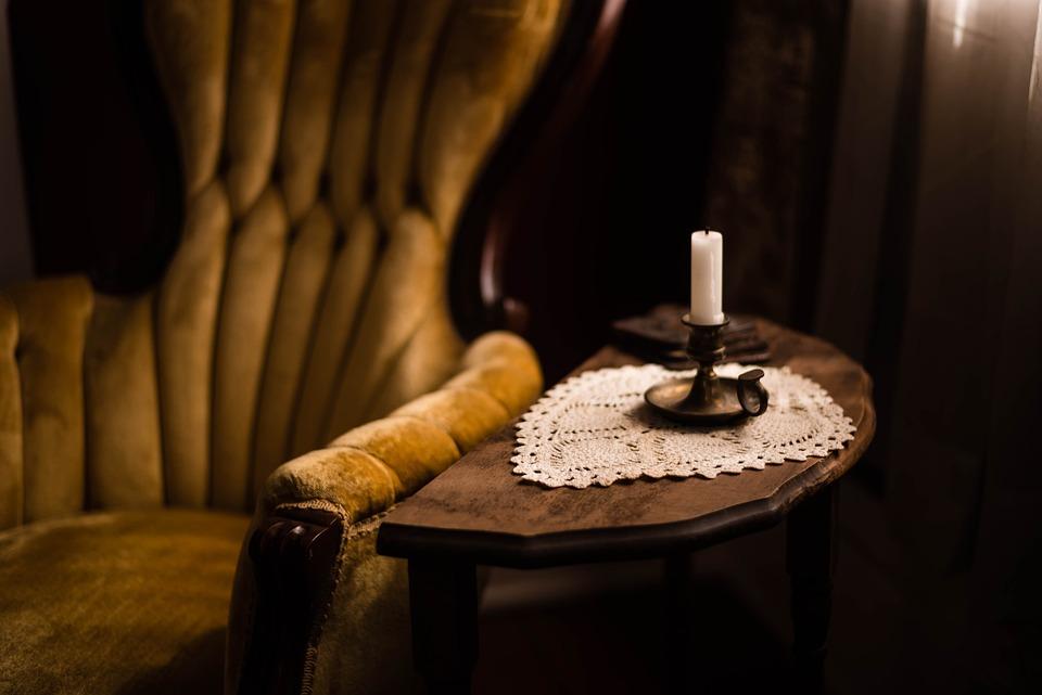 Stuhl Kerzenlicht Dunklen Raum Kostenloses Foto Auf Pixabay