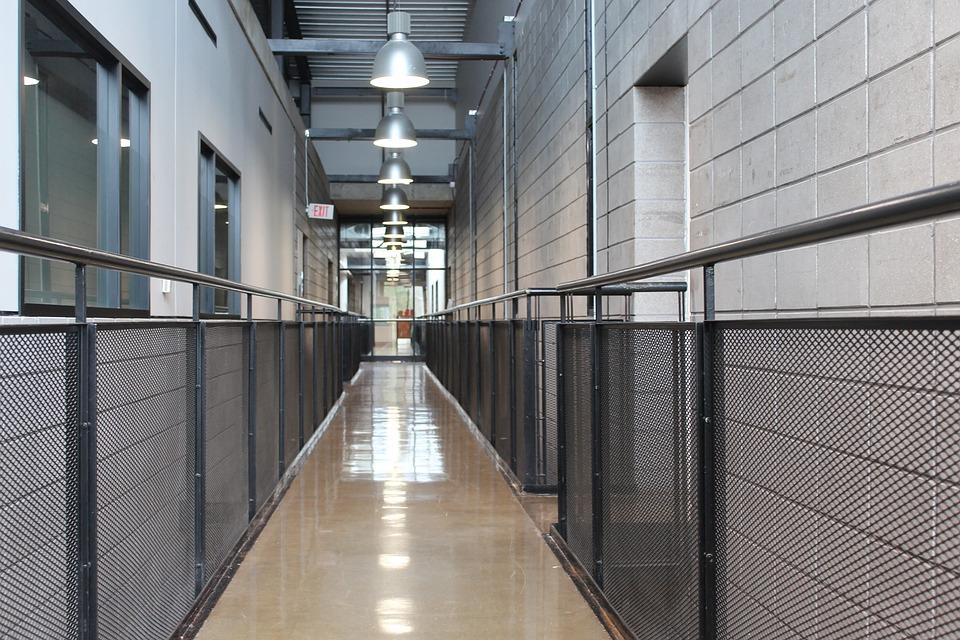 Illuminazione Di Un Corridoio : Corridoio l illuminazione della · foto gratis su pixabay