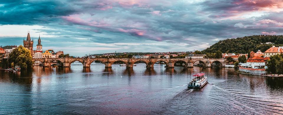 Fluss, Schiffe, Prag, Tschechien