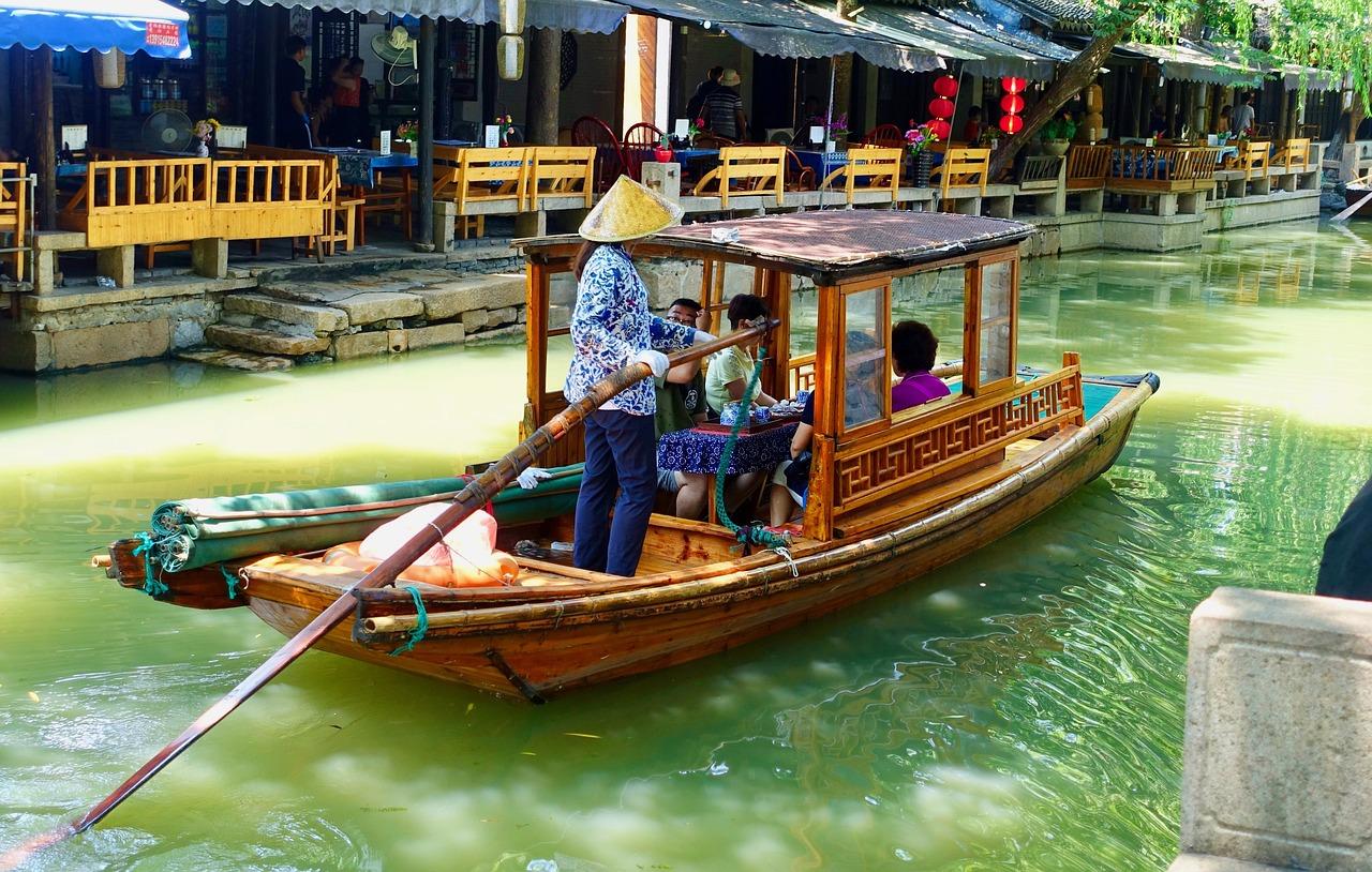 китайские лодки фото очищены озера, восстановлены