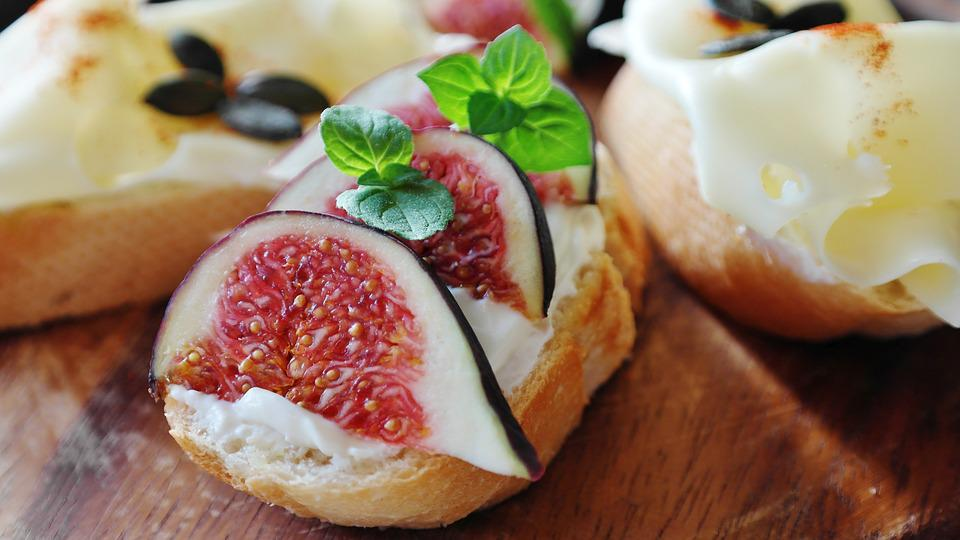 Figs for Dessert with Sandwiches