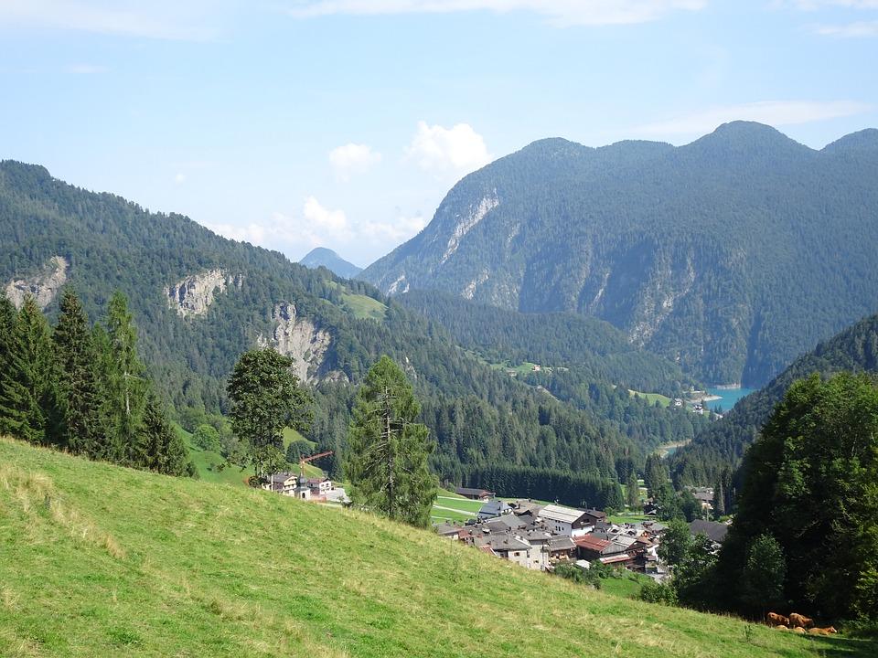 Sauris, Montagne, Vallata