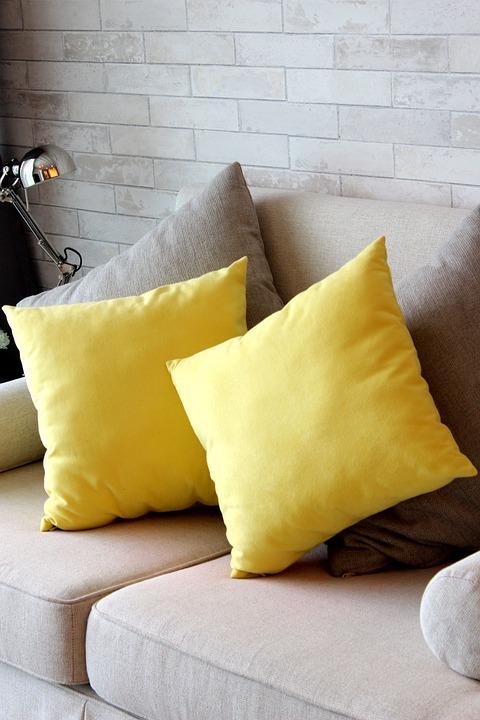 Cuscini Gialli Per Divano.Cuscino Giallo Divano Per Foto Gratis Su Pixabay