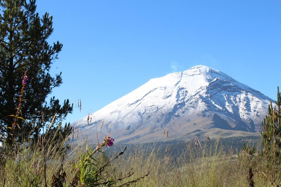 a report on popocatepetl an active volcano in mexico Iztaccihuatl volcano hiking tour from mexico city with amigo tours my friend and i climbed to the 2nd gate of iztaccihuatl volcano (4,390metres) with our fab tour guides gerson and kevin they spoke very good english and were friendly and fun to climb with.