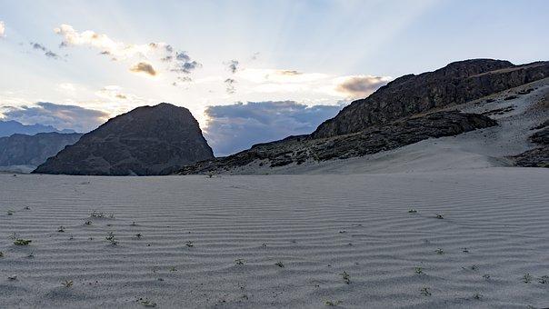 Sarfaranga Cold Desert Skardu, Gilgit-Baltistan. Travel to north