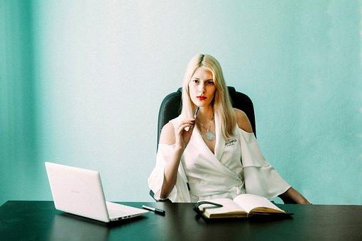 Femme D'Affaires, Entrepreneur