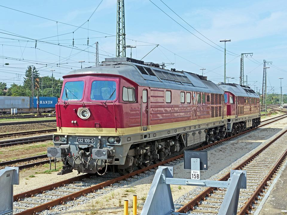 Large-Scale Diesel Locomotives - Free photo on Pixabay