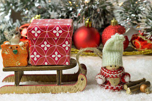 Weihnachtsdeko, Schnee, Holz, Beeren