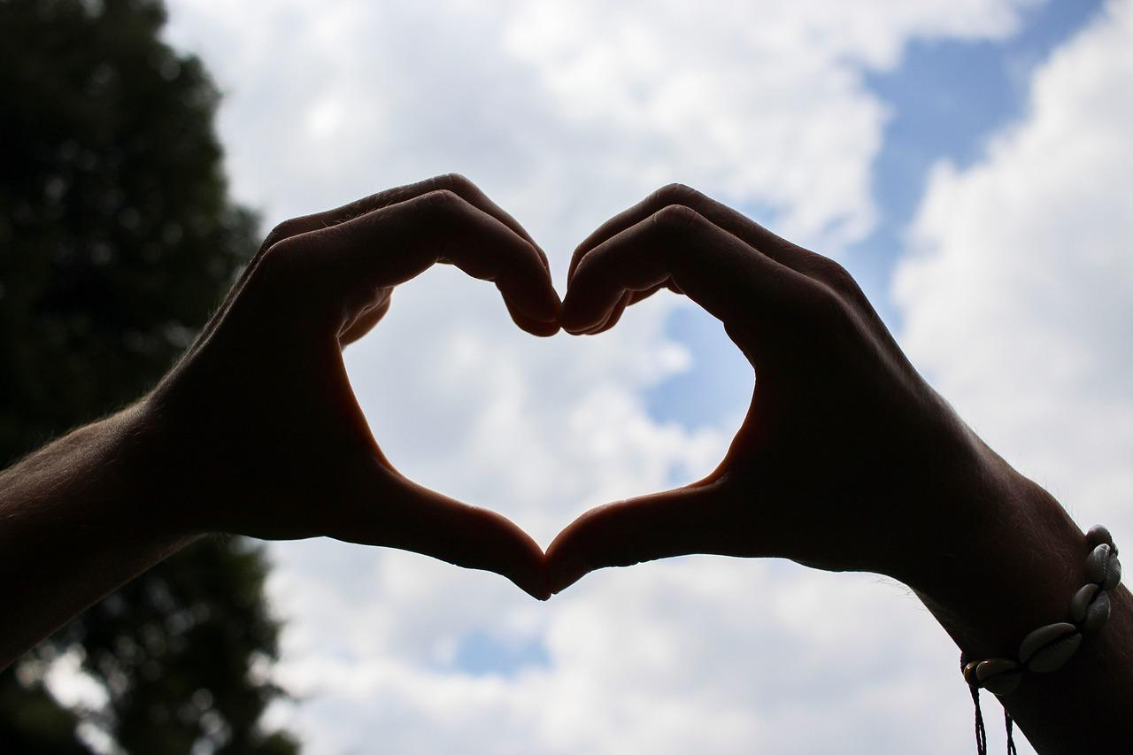 кому- сердце и человек картинки красивые ними возможно