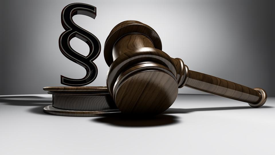 Urteil, Richter, Richterhammer, Auktionshammer, Auktion