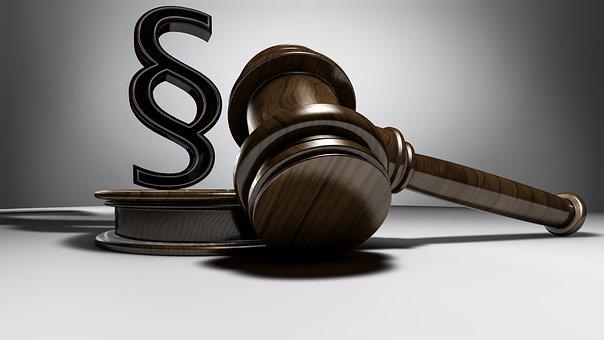 Urteil, Richter, Richterhammer