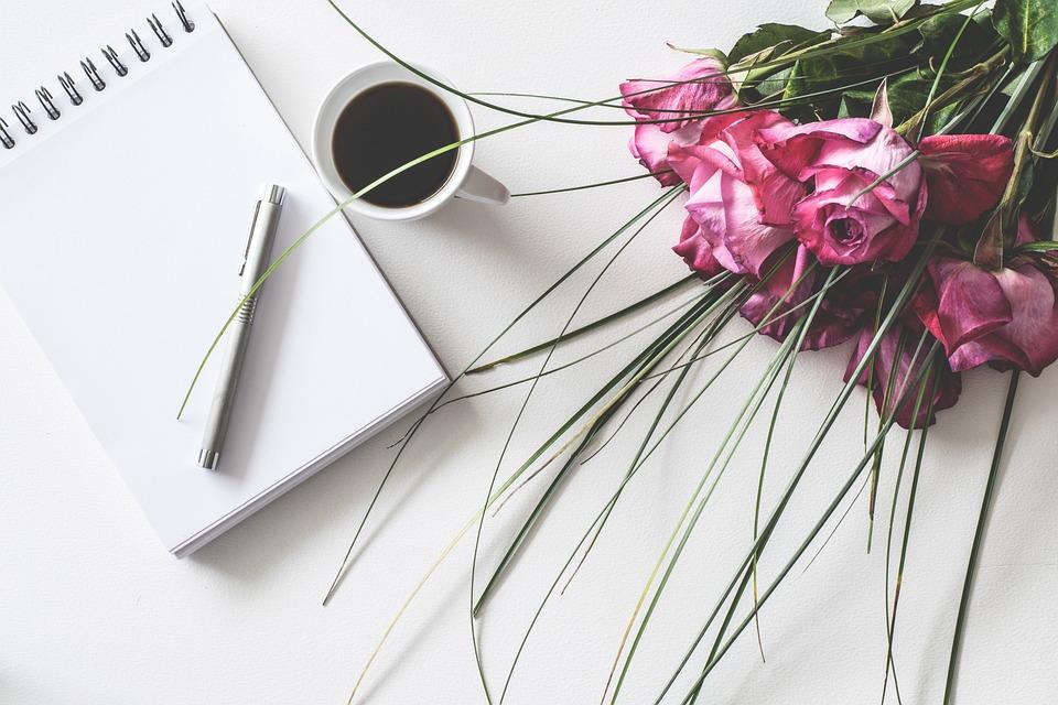 デスク, メモ帳, コーヒー, 空, 葉, バラ, ロマンチックな, 装飾, 書きます, メモ, 文字, 花